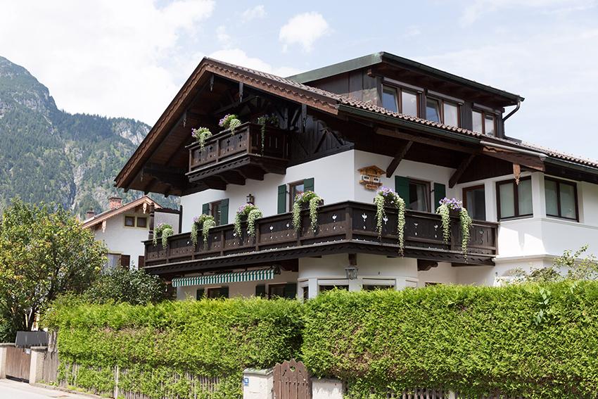 FeWo-Riedel-Alpspitzblick-Martinswinkelstrasse16_01.jpg